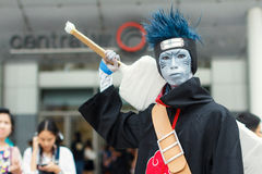 Thaise cosplayers kleden zich als karakters van beeldverhaal en spel in festa van Japan in Bangkok Stock Foto's