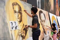 Thaise de verfportretten van kunststudenten Stock Afbeeldingen