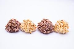 Thaise Dessert Knapperige rijst op witte achtergrond stock afbeelding