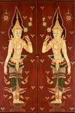 Thaise deur in traditionele stijl Stock Afbeeldingen