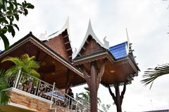 Thaise huisvoorgevel en daken Stock Afbeelding
