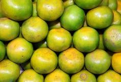 Thaise inheemse sinaasappel of Mandarijnen in de markt Royalty-vrije Stock Fotografie