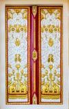 Thaise kerkdeur Royalty-vrije Stock Foto's
