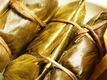 Thaise Kleverige die Rijst in Banaanblad wordt verpakt royalty-vrije stock foto