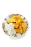 Thaise Mango met Kleverige Rijst Stock Afbeeldingen