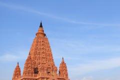 Thaise pagode tegen de hemel Thailand Stock Foto's