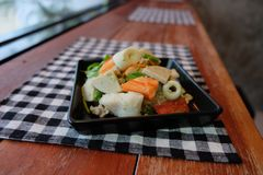 Thaise salade zure & kruidige zeevruchten met tomaat, glasnoedel Royalty-vrije Stock Fotografie