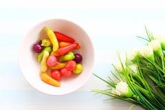 Thaise snoepjes in de kom Stock Afbeelding