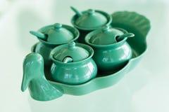 Thaise Specerij voor noedel of stootkussen Thai in ceramische reeks op glas t stock foto