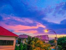 Thaise stad en blauwe hemel Royalty-vrije Stock Foto