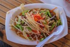 Thaise stijl kruidige salade stock fotografie