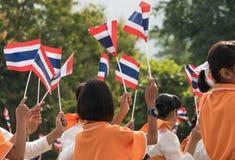 Thaise studenten die de ceremonie van 100ste aniversary van deelnemen stock foto