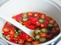 Thaise vissensaus met Spaanse pepers Stock Foto's