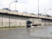 Thaise vloedklappen Centraal van Thailand, hogere die waterspiegels, tijdens de slechtste overstroming worden verwacht Royalty-vrije Stock Foto