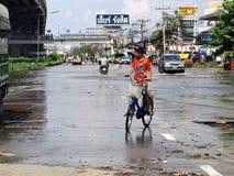 Thaise vloedklappen Centraal van Thailand, hogere die waterspiegels, tijdens de slechtste overstroming worden verwacht Royalty-vrije Stock Afbeeldingen