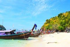 Thalewaek Gescheiden Overzees in Krabi, Thailand stock foto's