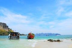 Thalewaek Gescheiden Overzees in Krabi, Thailand royalty-vrije stock foto