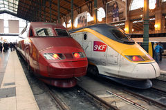 Thalys en TGV hoge snelheidstreinen in Parijs Royalty-vrije Stock Foto