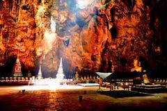 Tham Khao Luang grotta i Pechburi Thailand Royaltyfri Bild