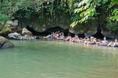 Tham Nam (подземелье воды). Vang Vieng. Лаос. Стоковое Изображение RF