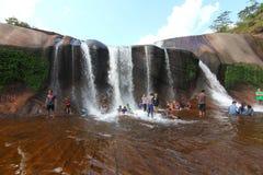 'Tham Phra' vattenfall Bungkan Thailand Royaltyfria Bilder