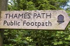 Thames Footpath markier Zdjęcia Royalty Free