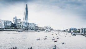 Thames Londyński widok na czerepie fotografia royalty free