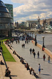 Thames path by Tower Bridge Royalty Free Stock Photos