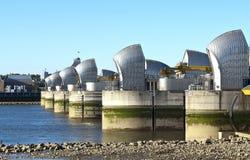 Thames powodzi bariera przy Niskim przypływem Fotografia Royalty Free