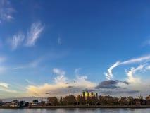 Thames rzeka i miasto Londyn Zdjęcie Stock
