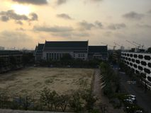 Thammasat u turismo oldbuiding da manhã tailandesa de Tailândia Fotografia de Stock Royalty Free