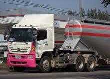 Thanachai公司水泥卡车  库存照片
