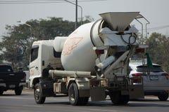 Thanachai公司水泥卡车  免版税图库摄影