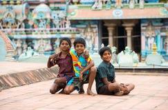 THANJAVOUR,印度- 2月14 :未认出的男孩是sitti 免版税图库摄影