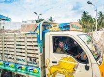 THANJAVOUR, ΙΝΔΙΑ - 13 ΦΕΒΡΟΥΑΡΊΟΥ: Ένα μη αναγνωρισμένο ινδικό ridi ατόμων Στοκ εικόνες με δικαίωμα ελεύθερης χρήσης