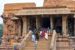 THANJAVOUR INDIA, LUTY, - 14: Niezidentyfikowani Indiańscy ludzie r Obrazy Stock