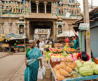THANJAVOUR INDIA, LUTY, - 14: Wejście Airavatesvara T Zdjęcia Stock