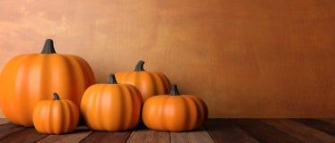 thanksgiving Zucche sulla tavola di legno rustica, insegna, spazio della copia illustrazione 3D fotografie stock libere da diritti