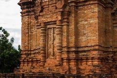 Thap Poshanu torn askfat vietnam Phan Thiet Royaltyfria Bilder