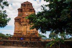 Thap Poshanu torn askfat vietnam Phan Thiet Royaltyfria Foton