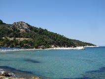 Thassos逃出克隆岛,希腊 最美丽的海滩在有一个蓝旗信号的希腊 免版税图库摄影