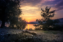 Thassos,希腊上色了日落 免版税库存图片