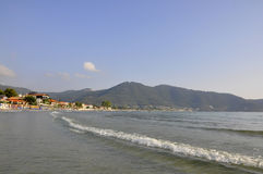 Thassos, 8月19日:从Thassos海岛的日出海滩在希腊 免版税图库摄影