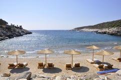 Thassos, 8月19日:从Thassos海岛的海滩场面在希腊 库存照片