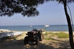 Thassos, 20 Augustus: De Kust van het Potosdorp van Thassos-eiland in Griekenland Royalty-vrije Stock Afbeeldingen