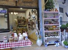 Thassos, 20 Augustus: Herinneringenwinkel in Potos-dorp van Thassos-eiland in Griekenland Royalty-vrije Stock Afbeeldingen
