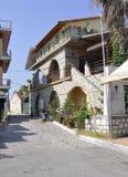 Thassos, 20 Augustus: Oud Huis in Potos-dorp van Thassos-eiland in Griekenland Royalty-vrije Stock Foto's