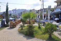 Thassos, 20 Augustus: Terras in Potos-dorp van Thassos-eiland in Griekenland Royalty-vrije Stock Foto's