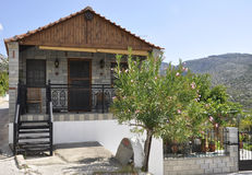 Thassos, 23 Augustus: Traditioneel Huis in Theologos-Dorp van Thassos-eiland in Griekenland Stock Afbeelding