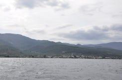 Thassos, 21 Augustus: Waterkant van Thassos-eiland van Cruise rond in Griekenland Royalty-vrije Stock Afbeelding